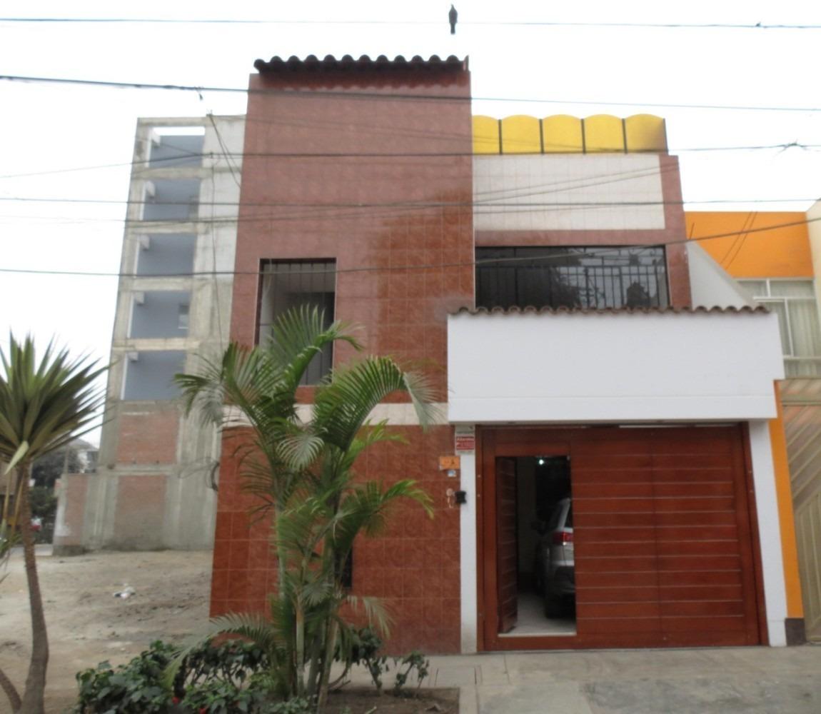 venta de casa de 3 pisos en los olivos