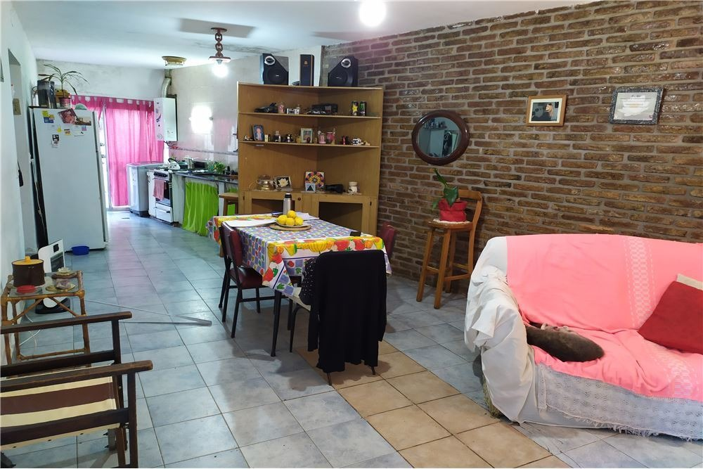 venta de casa de pasillo de 2 dormitorios