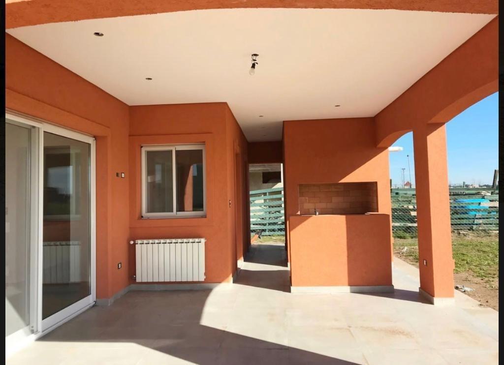venta de casa diseñada en 1 planta. puertos del lago . araucarias