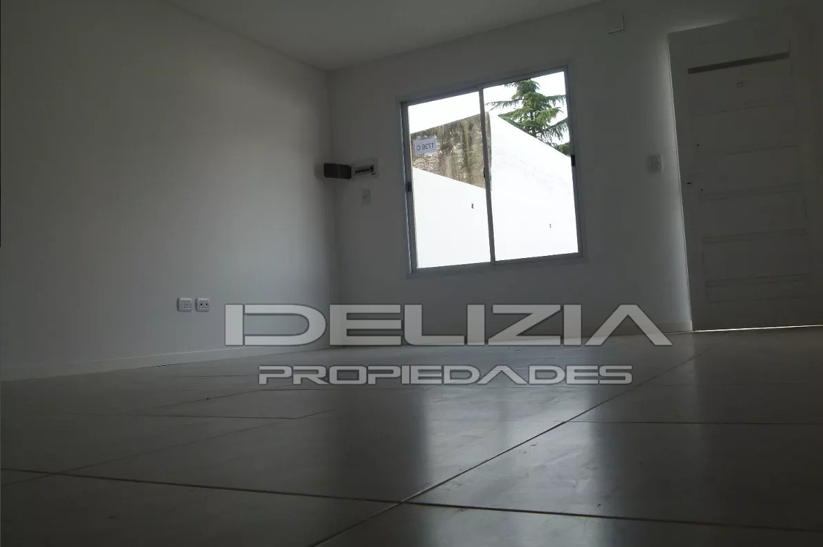 venta de casa duplex 4 ambientes en ituzaingo