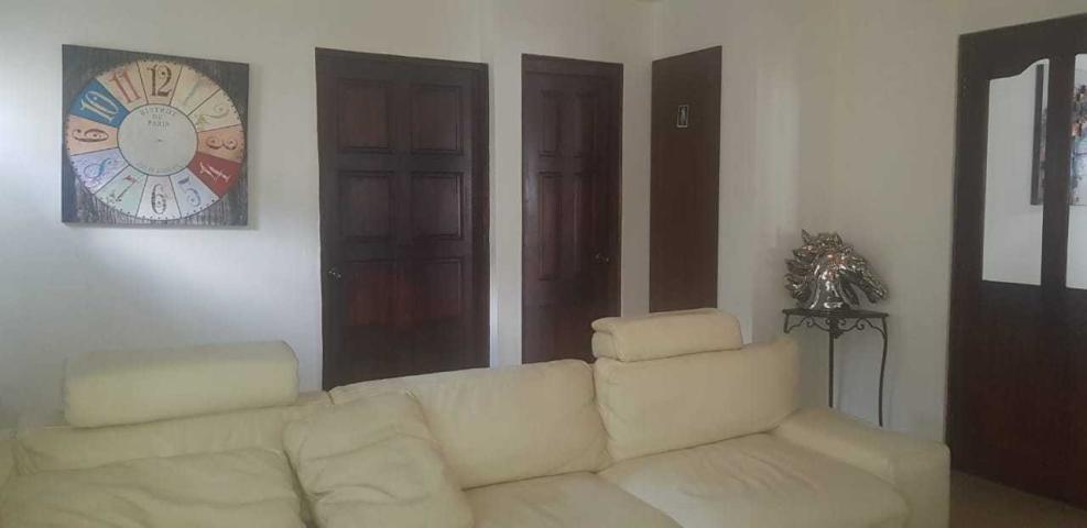 venta de casa en 12 de octubre 19-8546hel**