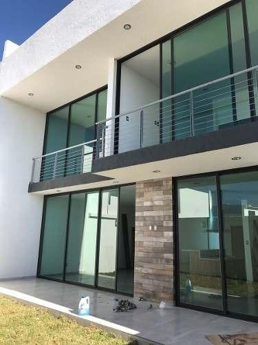 venta de casa en 2a sección  lomas de juriquilla