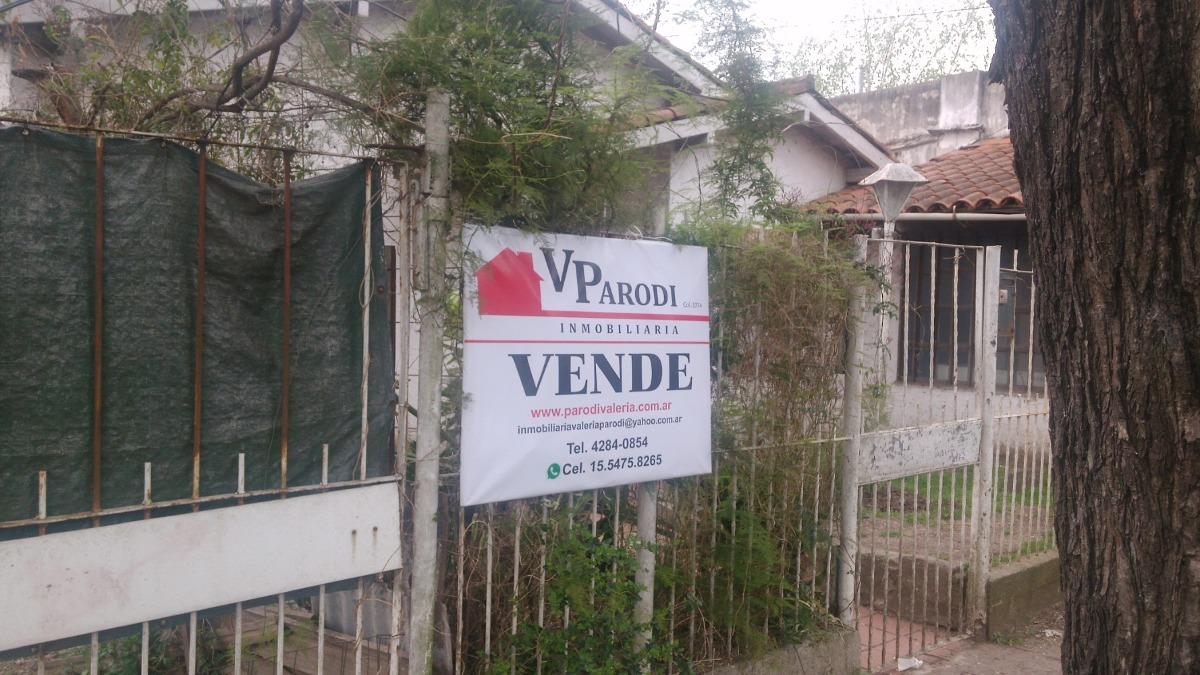 venta de casa en adroguè. excelente ubicación!!