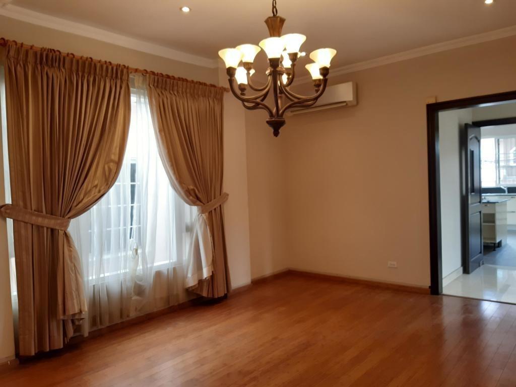 venta de casa en altos de panama #19-100hel**