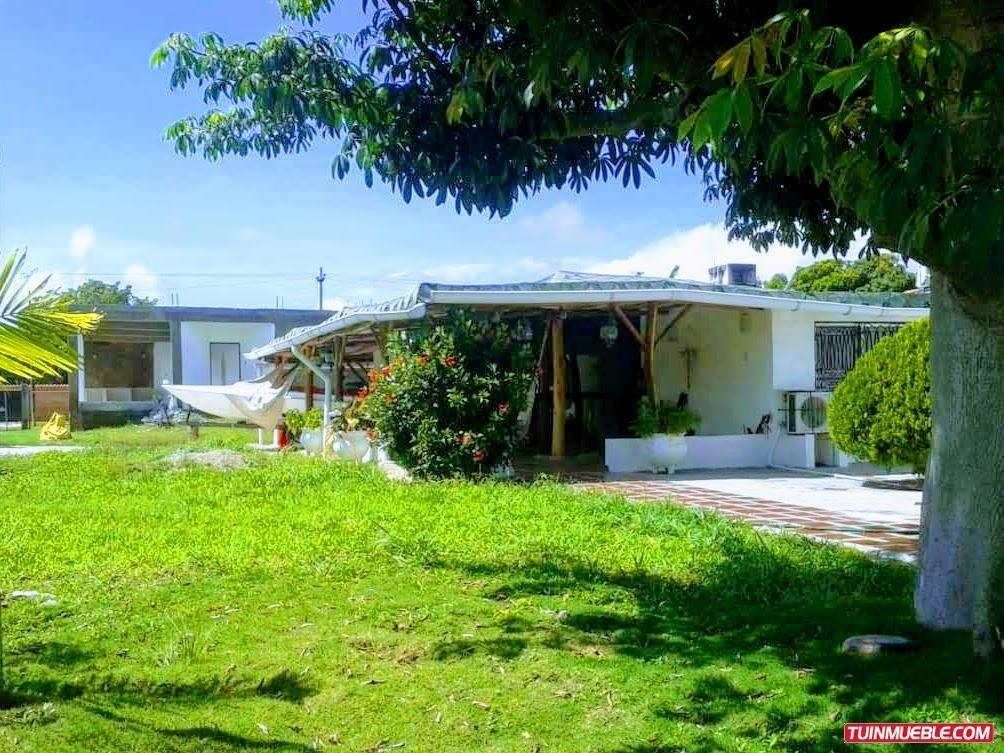 venta de casa en asocanales, higuerote