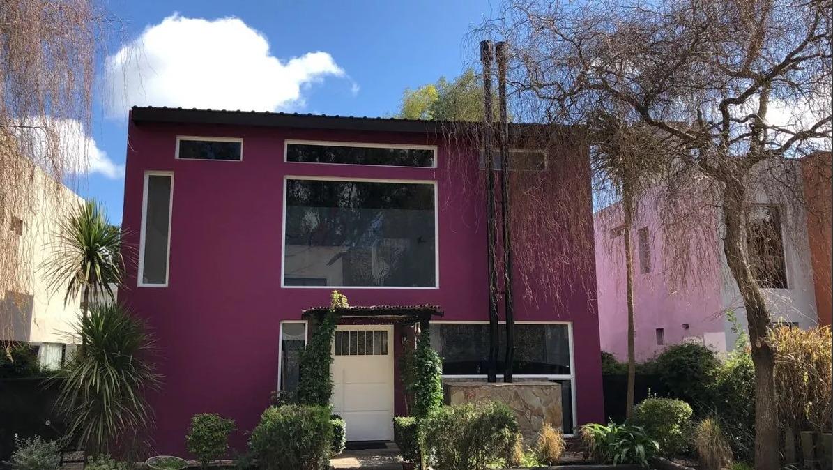 venta de casa en barrio cerrado parque leloir