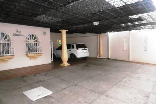 venta de casa en barrio lourdes 19-3789 tc