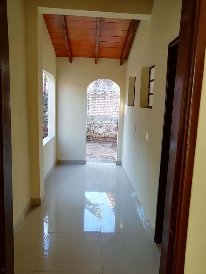 venta de casa en barrio san antonio-lambaré