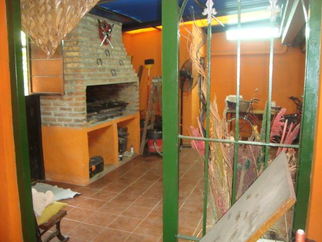venta de casa en burzaco: b corimayo.oportun chalet. 3dorm
