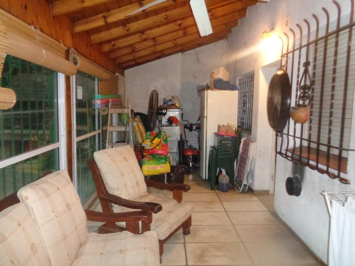venta de casa en burzaco c/ 3 dormit./garaje,galeria y amp