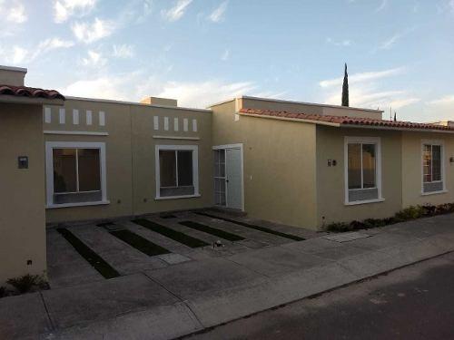 venta de casa en camino real, de 3 recamaras, 1 planta, priv