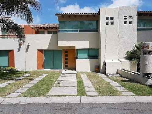 venta de casa en centro sur 3 recámaras, terraza, jardín, alberca salon de event
