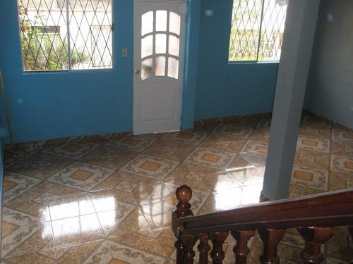 venta de casa en conjunto urb. el conde # 4 quitus colonial.