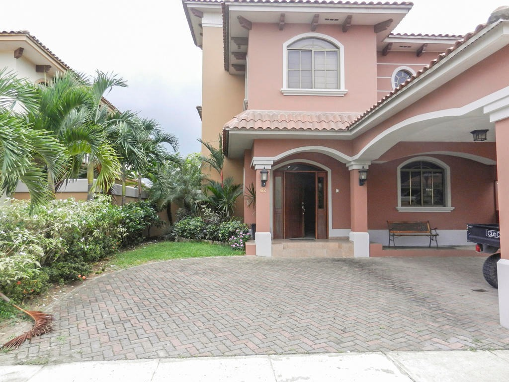 venta de casa en costa sur #19-8212hel**