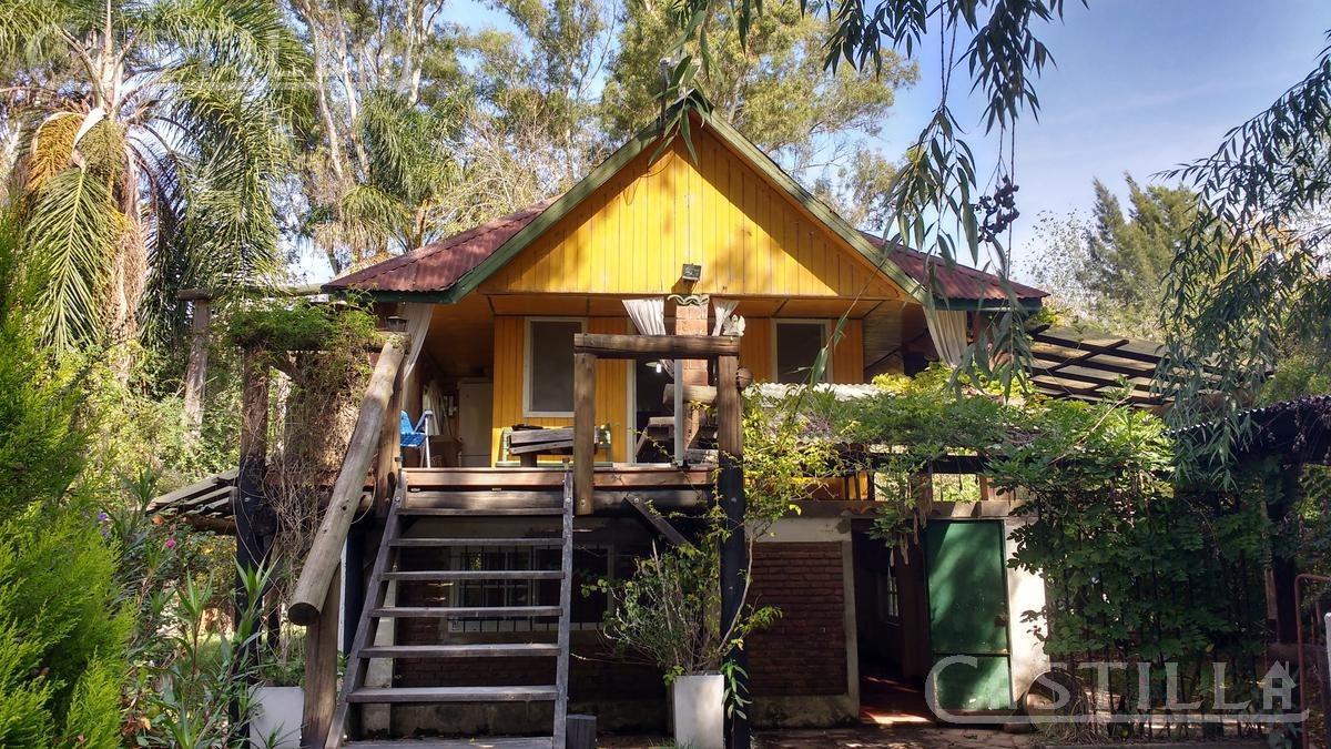 venta de casa en el delta sobre el rio carapachay al 1400