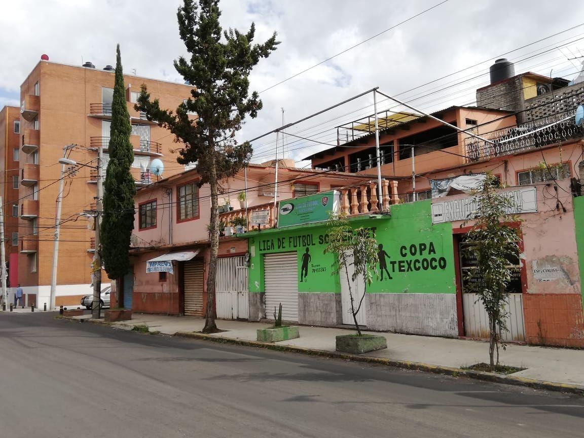 venta de casa en  esquina para desarrollar