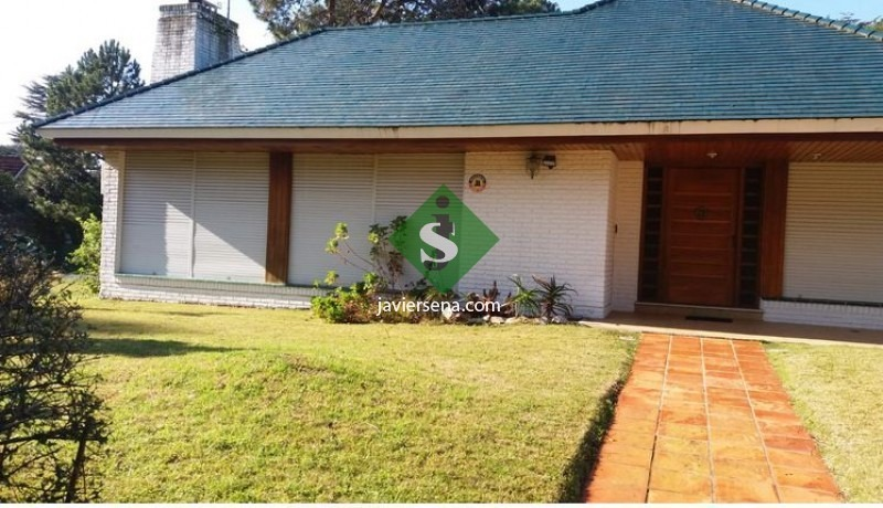venta de casa en la mansa, 4 dormitorios, 6 baños, piscina, cerca del mar.- ref: 46400