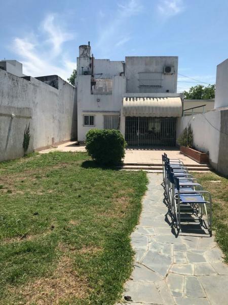 venta de casa en la plata con jardin