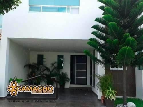 venta de casa en lomas de angelopolis (opc-0209)