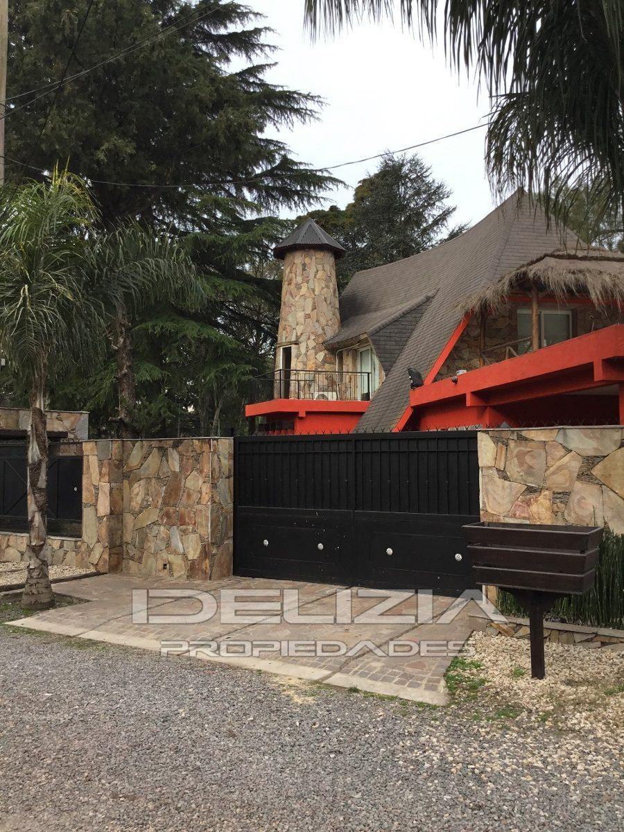 venta de casa  en parque leloir ituzaingo
