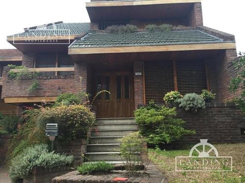 venta de casa en ramos mejia : chalet : zona residencial
