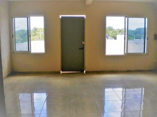 venta de casa en región 517 con 4 rec y 4 baños