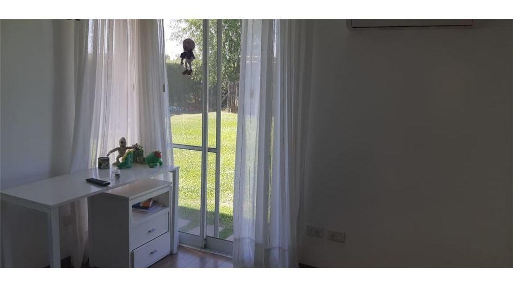 venta de casa en roldán de 3 dormitorios
