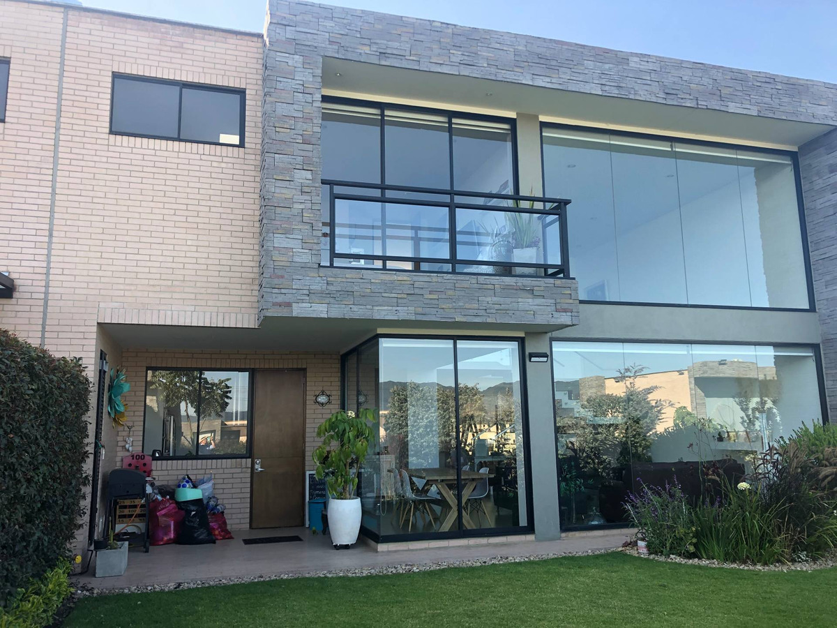 venta de casa en serrato cota
