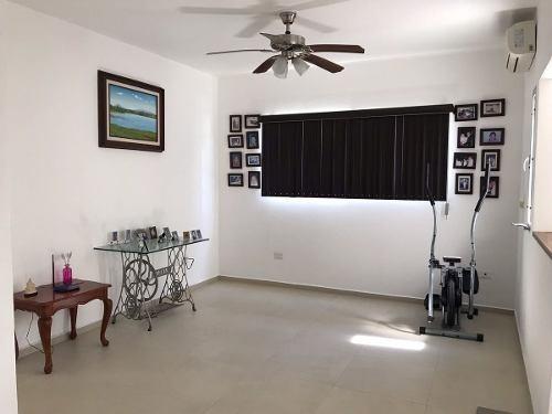 venta de casa en sm16 cancún, alberca y seguridad