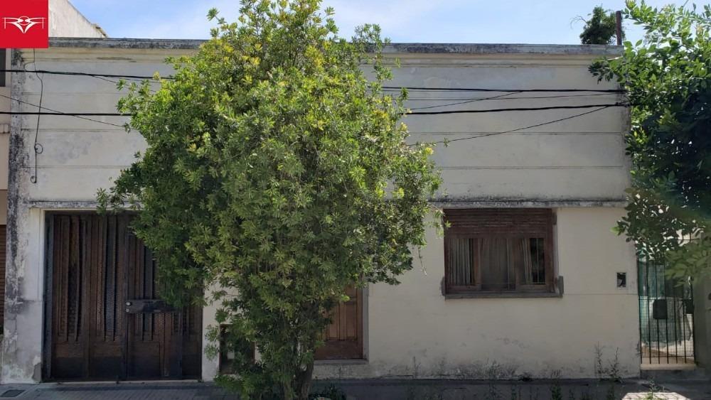 venta de casa en tolosa (115 e/ 531 y 532)