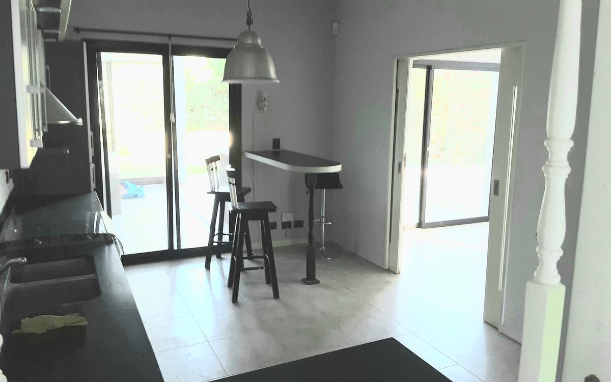 venta de casa en villa olivos lineas modernas 3 dorms mas dependencia