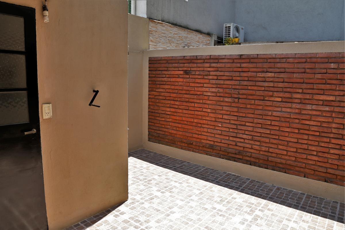 venta de casa en villa pueyrredon muy luminosa con balcón patio y garaje