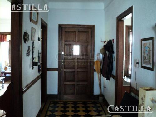 venta de casa estilo colonial sobre río capitan, delta de tigre