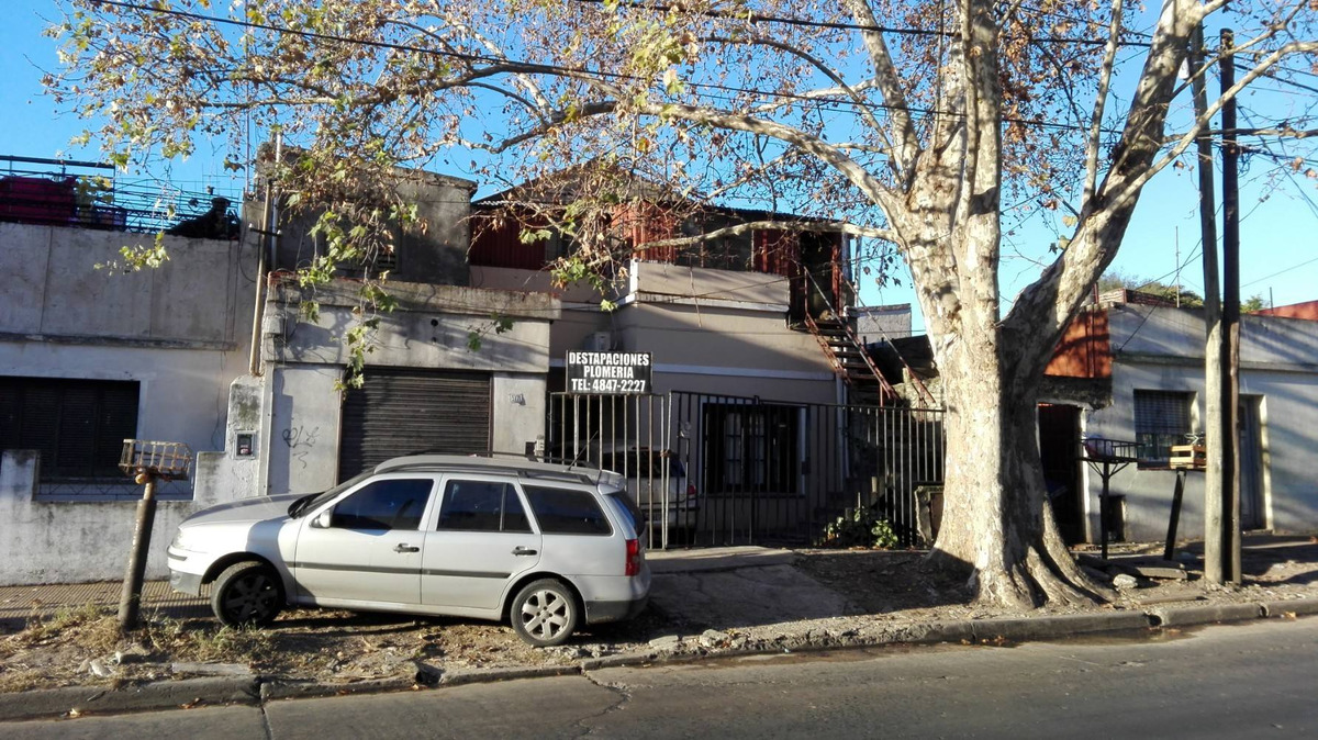 venta de casa multifamiliar a refaccionar. ideal inversor