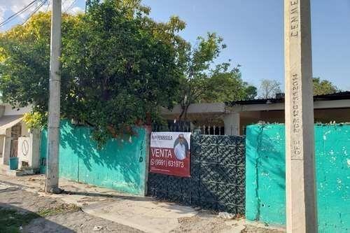 venta de casa muy bien ubicada sobre la avenida madero (circuito colonias) en la colonia francisco i. madero en el poniente de la ciudad de merída
