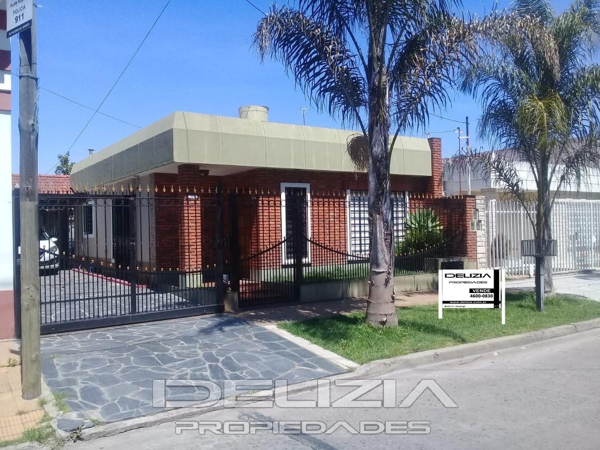 venta de casa para dos familias en moron