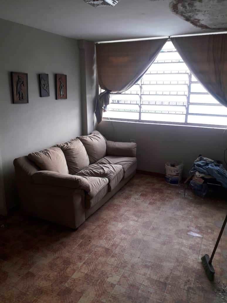 venta de casa para remodelar trigal norte valencia 398123 ih