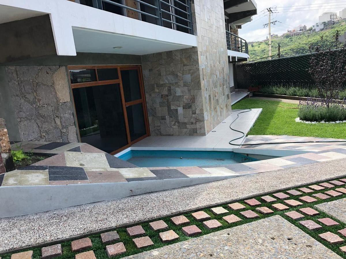 venta de casa residencial completamente nueva de estilo vanguardista.