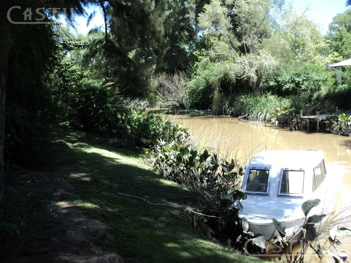 venta de casa sobre arroyo esperita