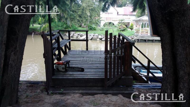 venta de casa sobre el río carapachay