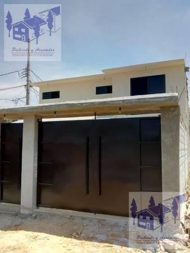 venta de casa sola  con 4 recamaras y una en planta baja en ahuatepec cuernavaca