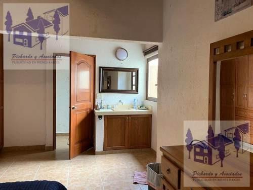 venta de casa sola con alberca y vigilancia en  real de tetela cuernavaca