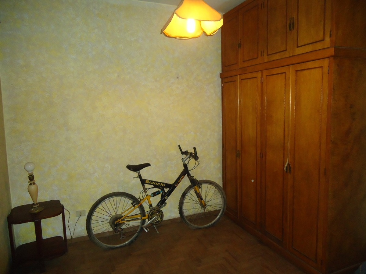 venta de casa y departamento, ideal para dos familias.