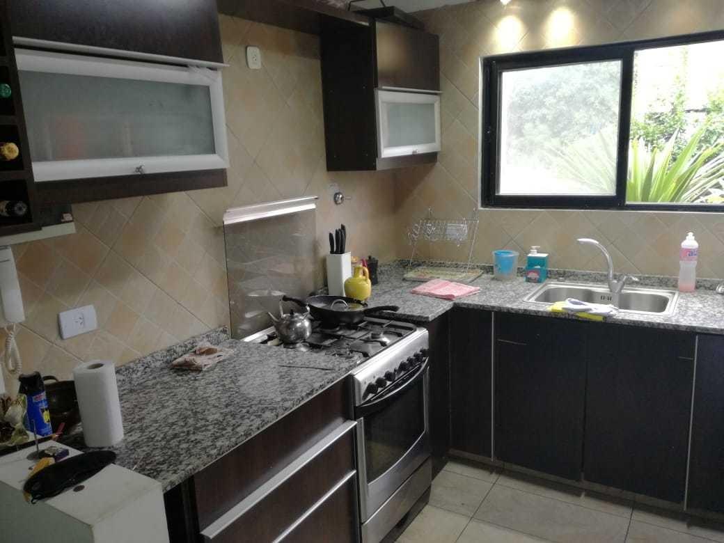 venta de casa//triplex en casuarinas 3 - canning!!!