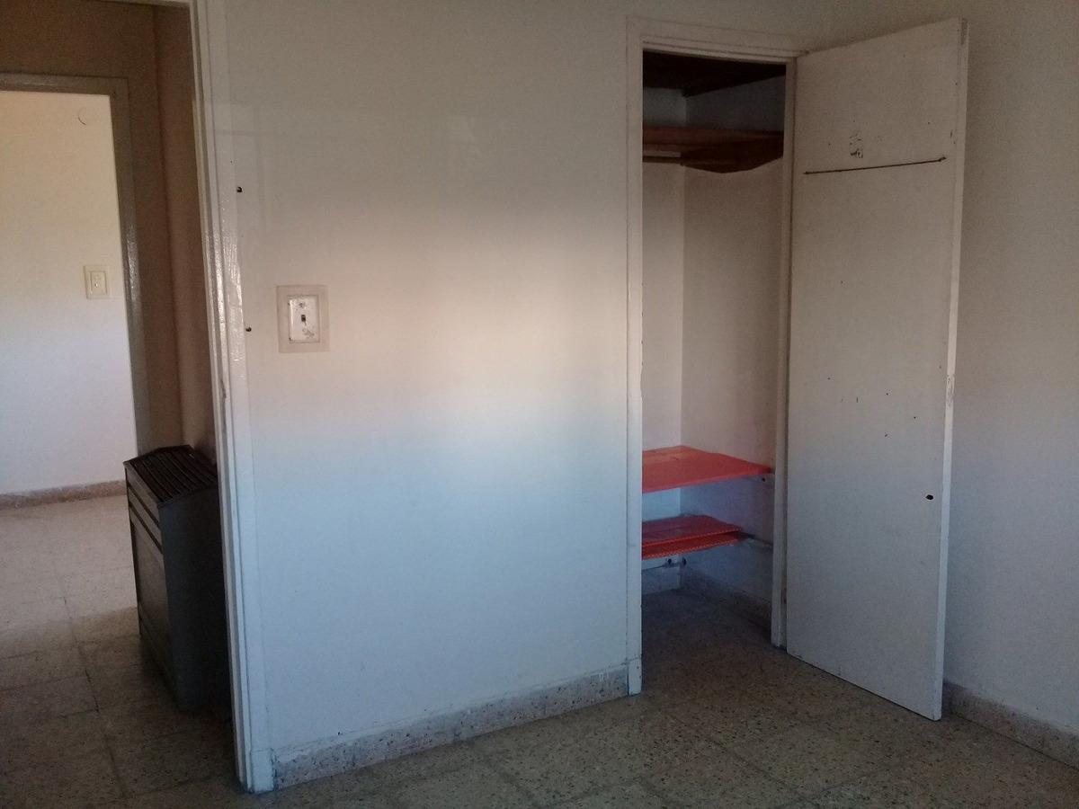 venta de chalet de 3 ambientes ,en esquina -zona  el progreso- mar del plata
