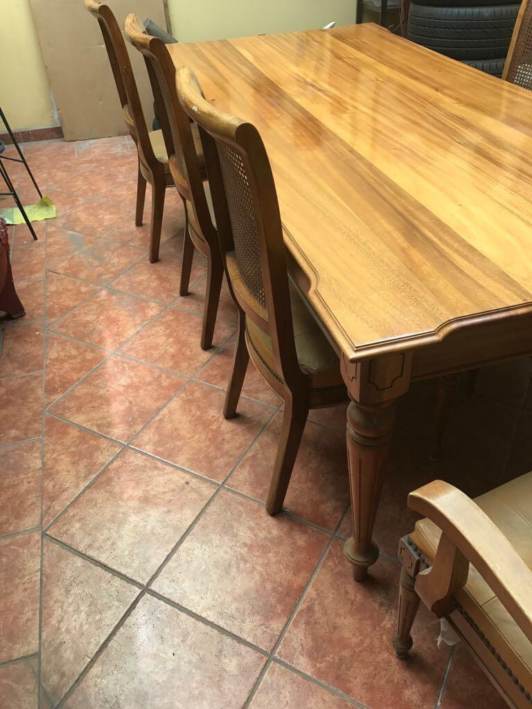 Venta de comedor de 8 puestos de madera de cenizaro for Comedor 8 puestos