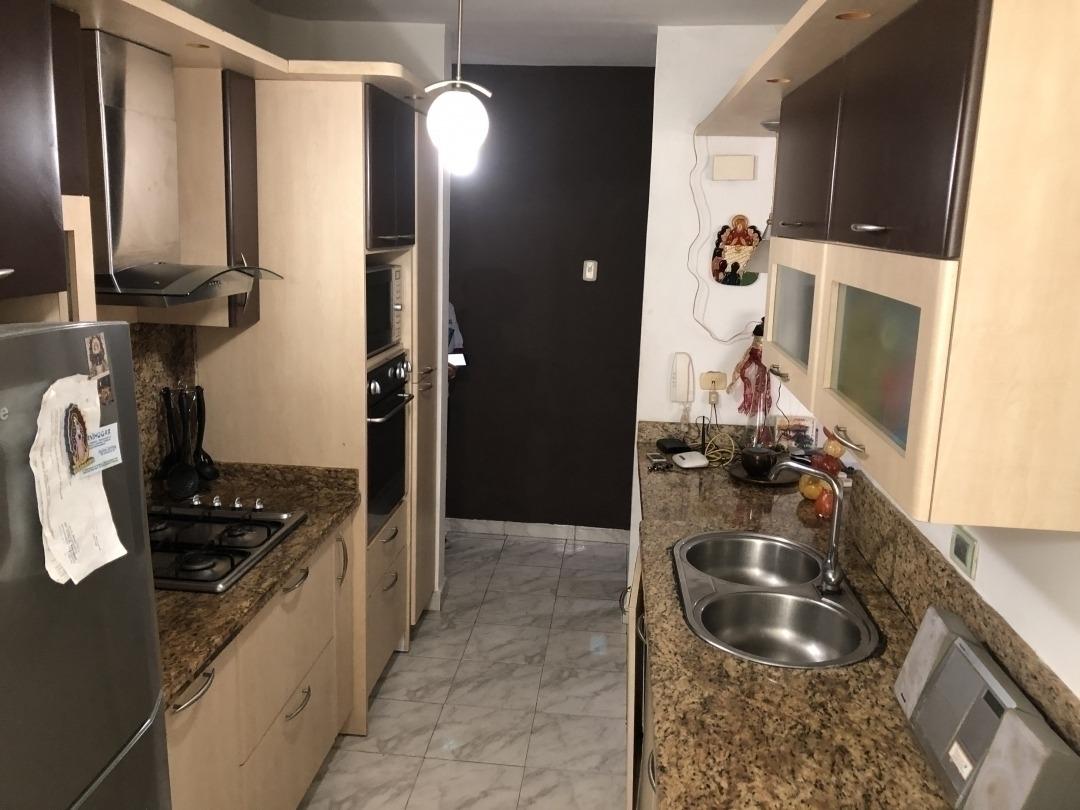 venta de cómodo apartamento en la trigaleña, valencia