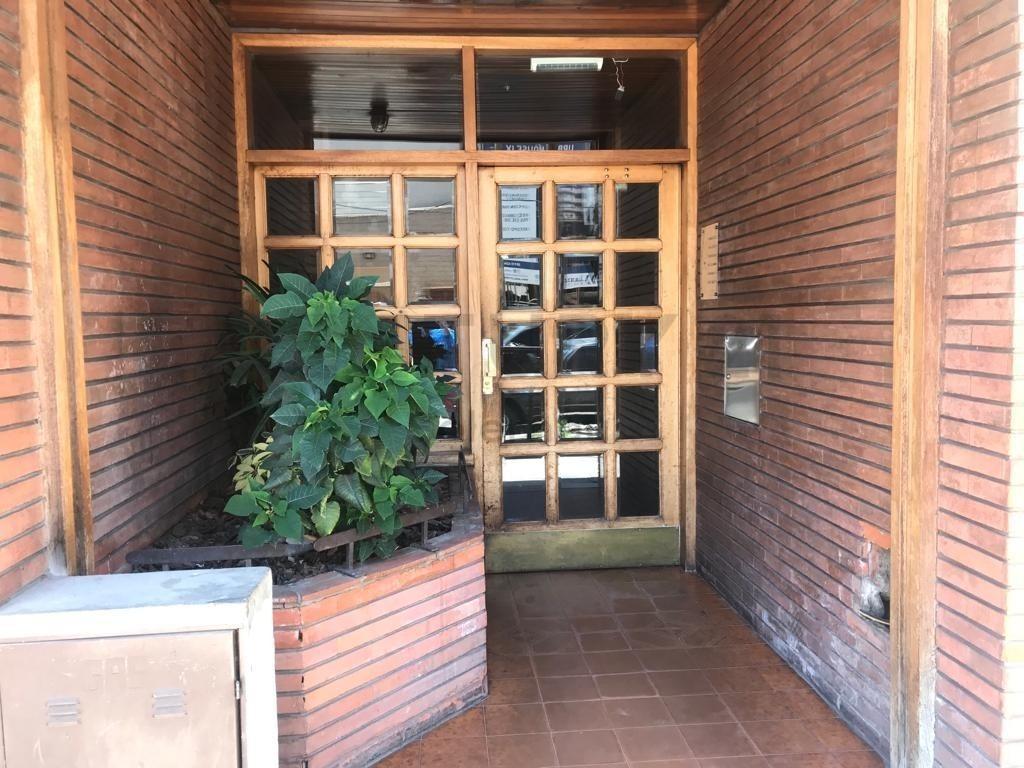 venta de departamento 2 ambientes en pleno centro de lanús este.43mts2