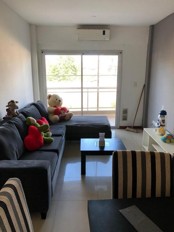 venta de departamento 2 ambientes en primer piso sobre calle nemesio en moreno.