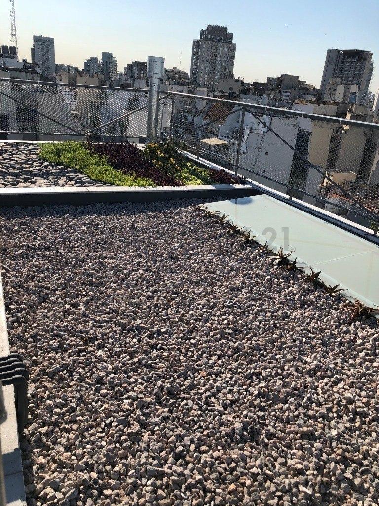venta de departamento 4º b monoambiente divisible. en almagro balcón al frente.